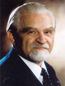 Portrait photo Dr. Bruno Buchwieser