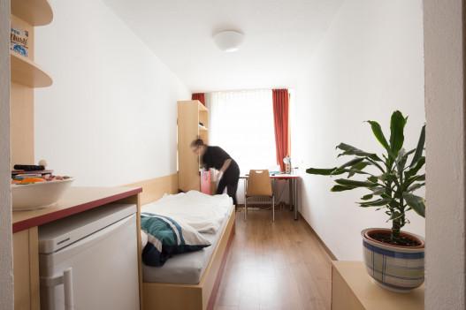 Single Room at the ÖJAB-Haus Salzburg in Vienna.