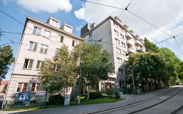 Außenaufnahme des ÖJAB-Hauses Neumargareten in Wien.