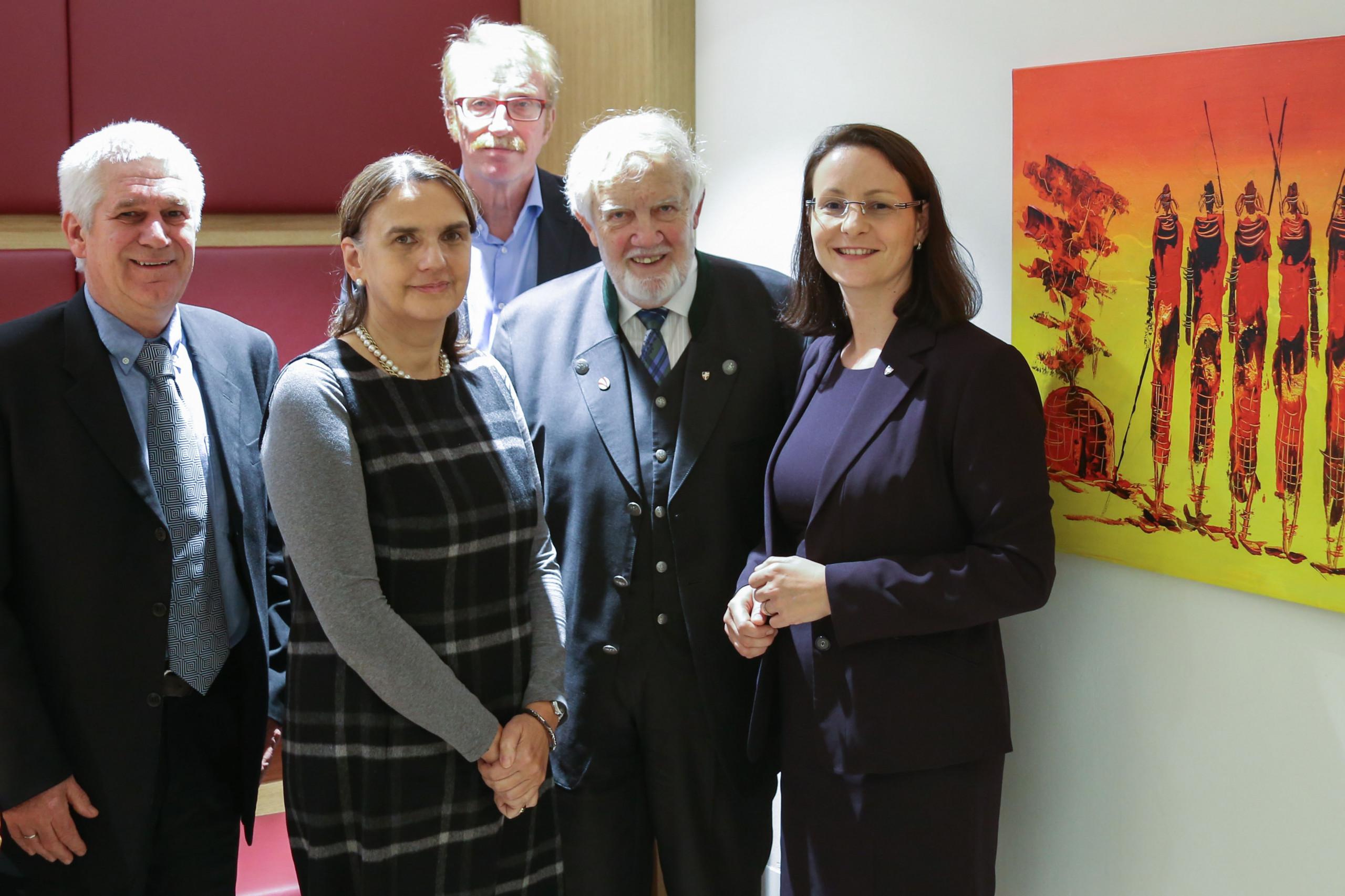 Group photo of Erwin Schreckensperger, Irene Luhn, Thomas Motycka, Eduard Schüssler, Petra Heidler.