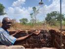 Wasser bedeutet Leben und Freude in Burkina Faso – Szene in einem Waisenhaus in Samandeni.