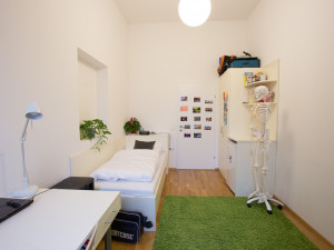 Single room at the ÖJAB-Haus Graz.