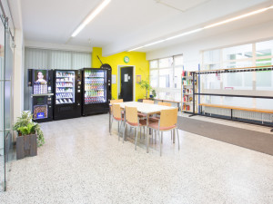 Community room with sanck vending machines at the ÖJAB-Haus Mödling.