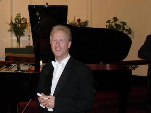 o.Univ.-Prof. Rolf Plagge  (Klavier/Mozarteum)