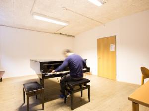 Musikübungsraum im ÖJAB-Europahaus Dr. Bruno Buchwieser.