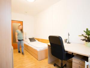 Single room at the ÖJAB-Haus Steiermark.