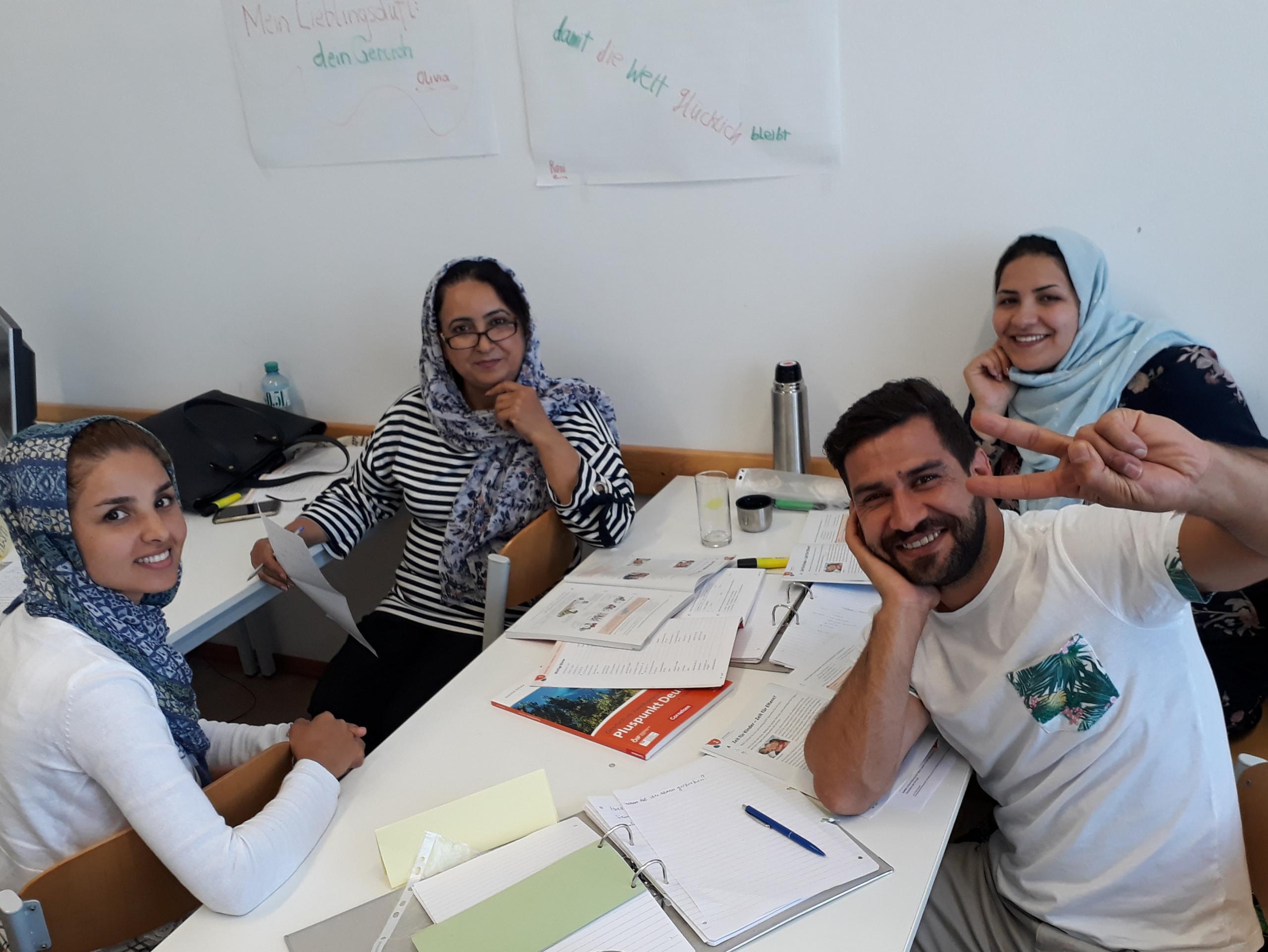 Gruppenbild von SprachkursteilnehmerInnen der Deutschkurse am BPI der ÖJAB.