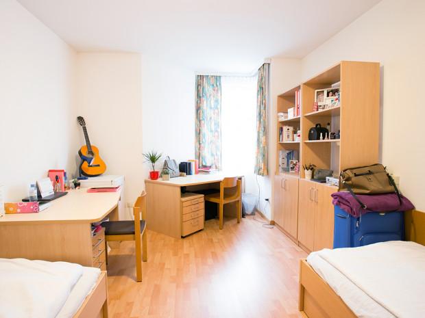 Twin room at the ÖJAB-Haus Steiermark.