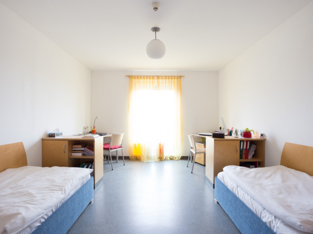 Twin room at the ÖJAB-Haus Eisenstadt.