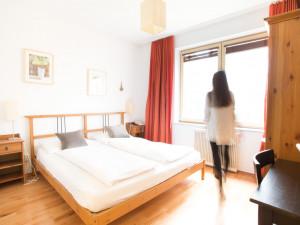 Gästezimmer im ÖJAB-Haus Salzburg.