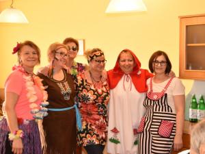 Mitarbeiterinnen des Wohnbereichs C des ÖJAB-Hauses St. Franziskus beim Faschingfeiern.