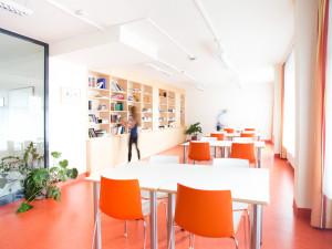 Bibliothek des ÖJAB-Hauses Liesing.