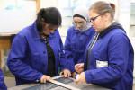 Foto 3: SET unterstützt junge Frauen auf ihrem Weg in die Berufswelt, vor allem für technische Berufe.