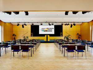 Großer Veranstaltungsraum im Europahaus Wien.