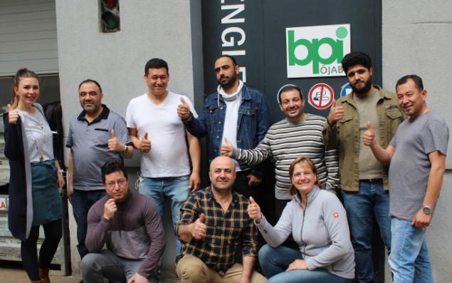 TeilnehmerInnen vor dem BPI der ÖJAB