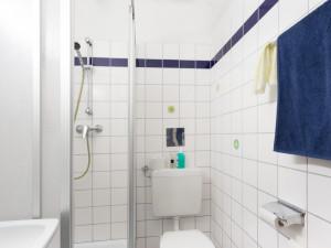 Badezimmer des ÖJAB-Hauses Burgenland 2.