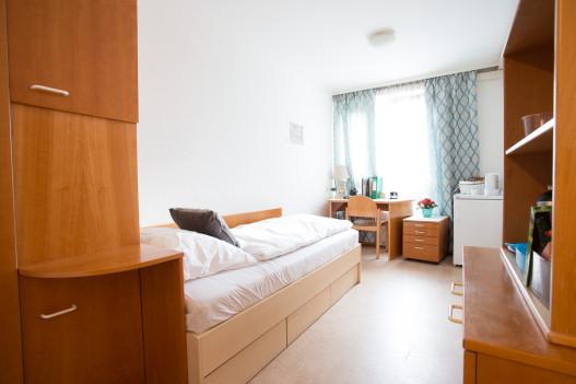 Dein Einbettzimmer im preiswerten Wohnheim für Studentinnen und Studenten, nur für dich!