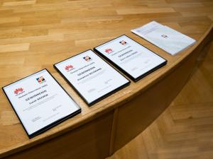 Urkunden des Huawei-Stipendiums