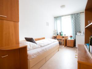 Einbettzimmer des ÖJAB-Hauses Donaufeld, Studentinnen- und Studentenheim.