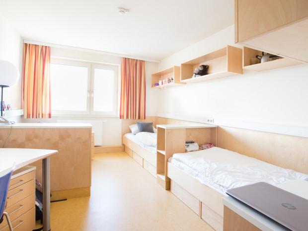 Twin room at the ÖJAB-Haus Liesing.