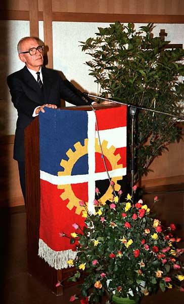 Rudolf Kirchschläger at the ÖJAB speaker's podium