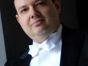 M Alessandro Pagliazzi (Dirigent/Klavier)