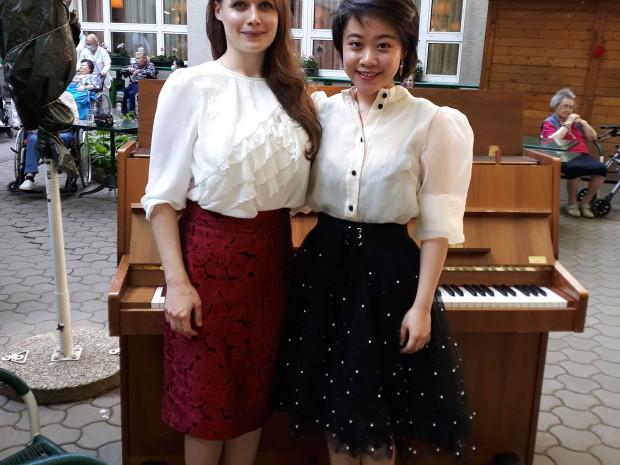 Die Musikstudentinnen schenkten den BewohnerInnen im ÖJAB-Haus Neumargareten das erste Musikerlebnis seit Langem.