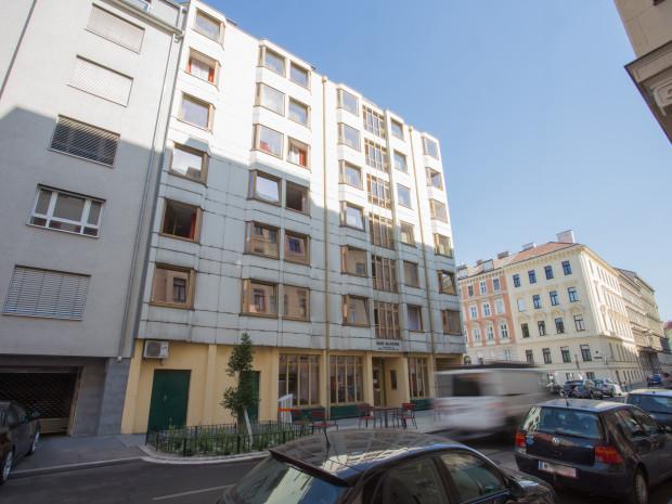 Außenaufnahme des ÖJAB-Hauses Salzburg in Wien.