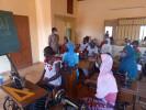 """In Ouagadougou werden im Projekt """"Frauen – Bildung – Zukunft"""" Mädchen bzw. junge Frauen zu Schneiderinnen ausgebildet. Ein Blick in die aktuelle Klasse."""