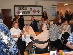 Der Kirtag im ÖJAB-Haus St. Franziskus erfreute sich heuer zahlreicher Gäste und bereitete den BewohnerInnen viel Freude.