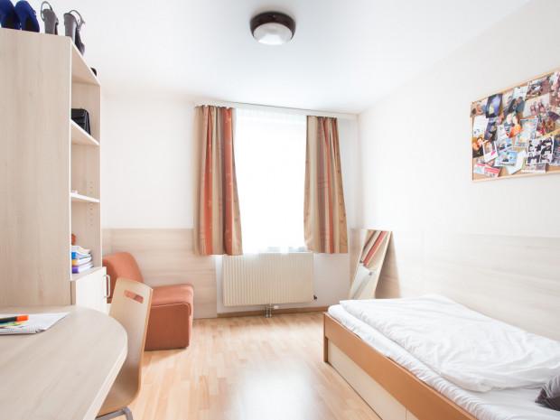 Single Room of the ÖJAB-Haus Dr. Rudolf Kirchschläger.
