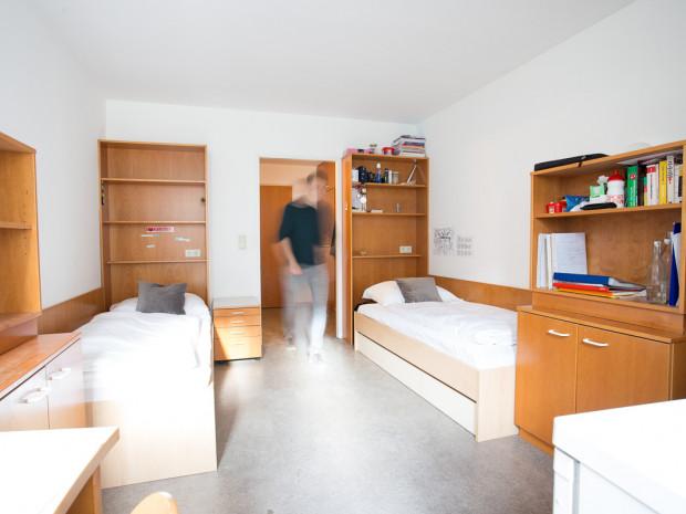 Zweibettzimmer im ÖJAB-Haus Donaufeld, Studentinnen- und Studentenheim in Wien.